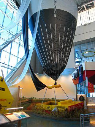 Balloon Museum015