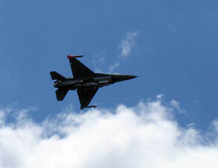 F16_0053