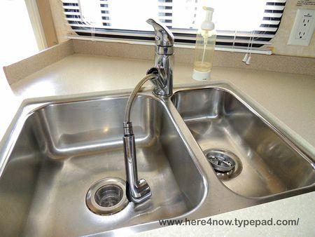 Kitchen Faucet_0003