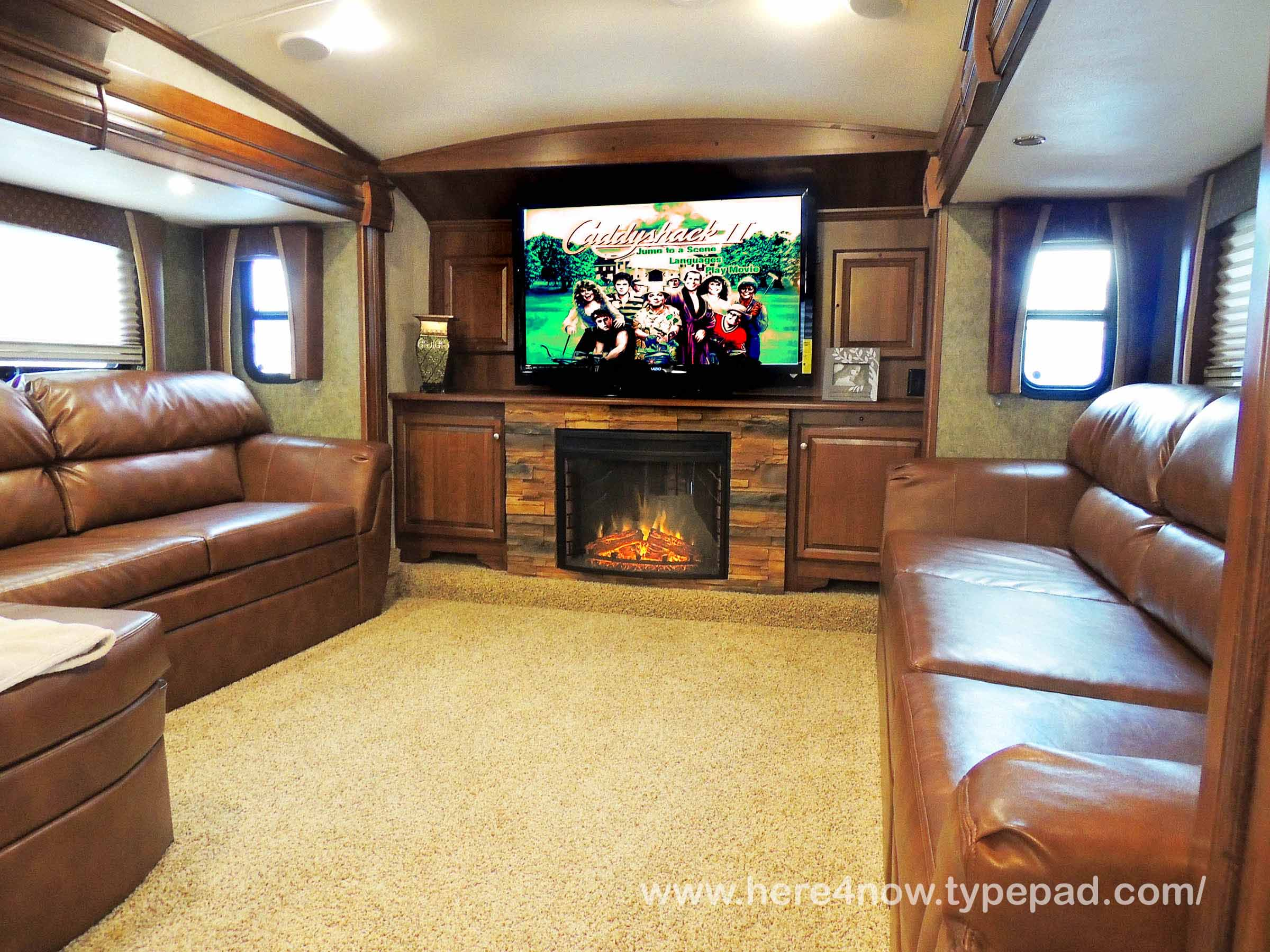 5th Wheel Front Living Room