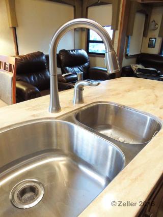 Kitchen Faucet_0013
