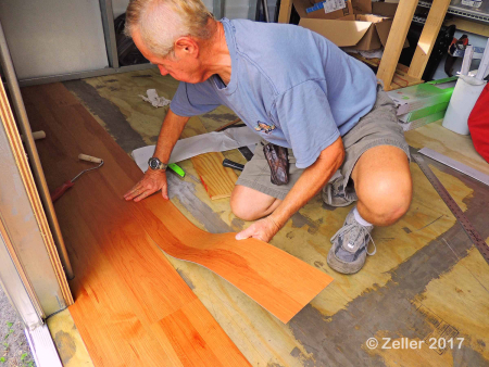 Installing Flooring_0006