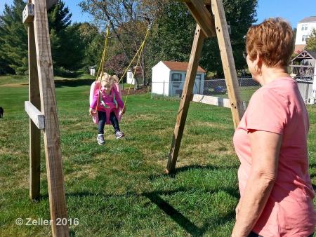Lydia Swinging_004