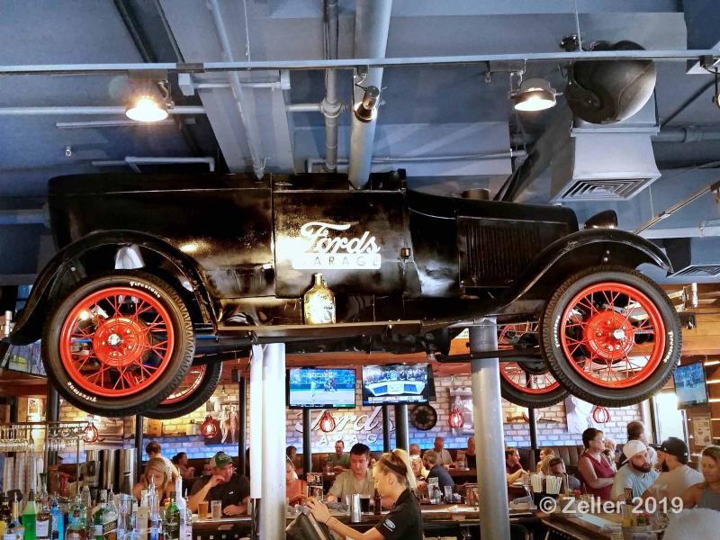 Ford's Garage_017