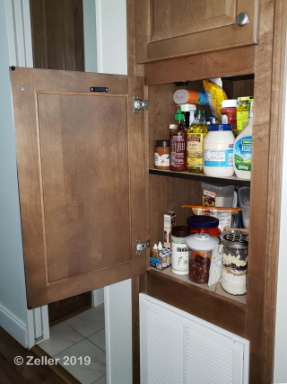 Pantry Before_004
