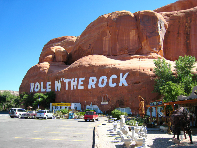 Hole_in_the_rock_8_copy